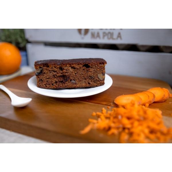 Ciasto marchewkowe z orzechami włoskimi w kawałkach (bezglutenowe)