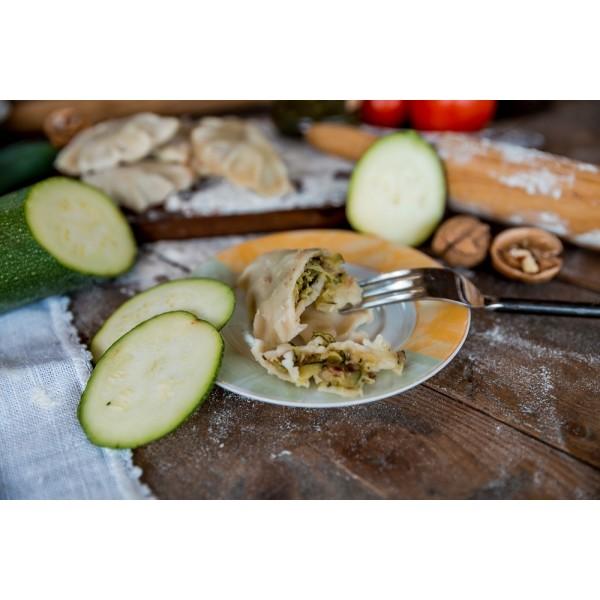 Pierogi z cukinią, słonecznikiem i cebulą prażoną  - wegańskie