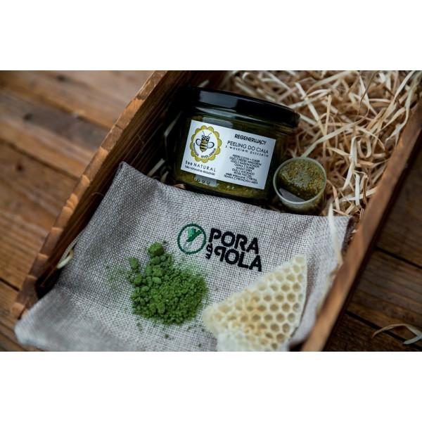 Regenerujący peeling do ciała z woskiem pszczelim