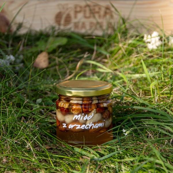 Miód akacjowy z orzechami