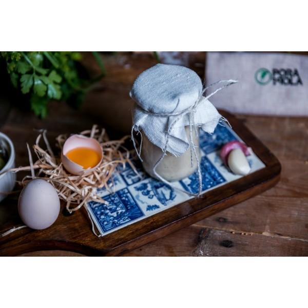 Majonez czosnkowy z jaj z własnego gospodarstwa