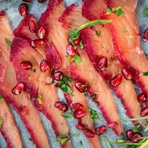 Bajkowy Jurajski Gravlax, czyli łosoś marynowany w burakach i pomarańczach