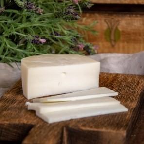 Czerwcowy ser w rolach głównych